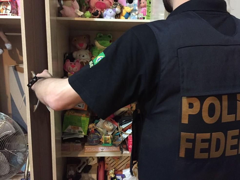 Servidor dos Correios mantinha arquivo com pornografia infantil no celular, diz PF (Foto: Polícia Federal/Divulgação)