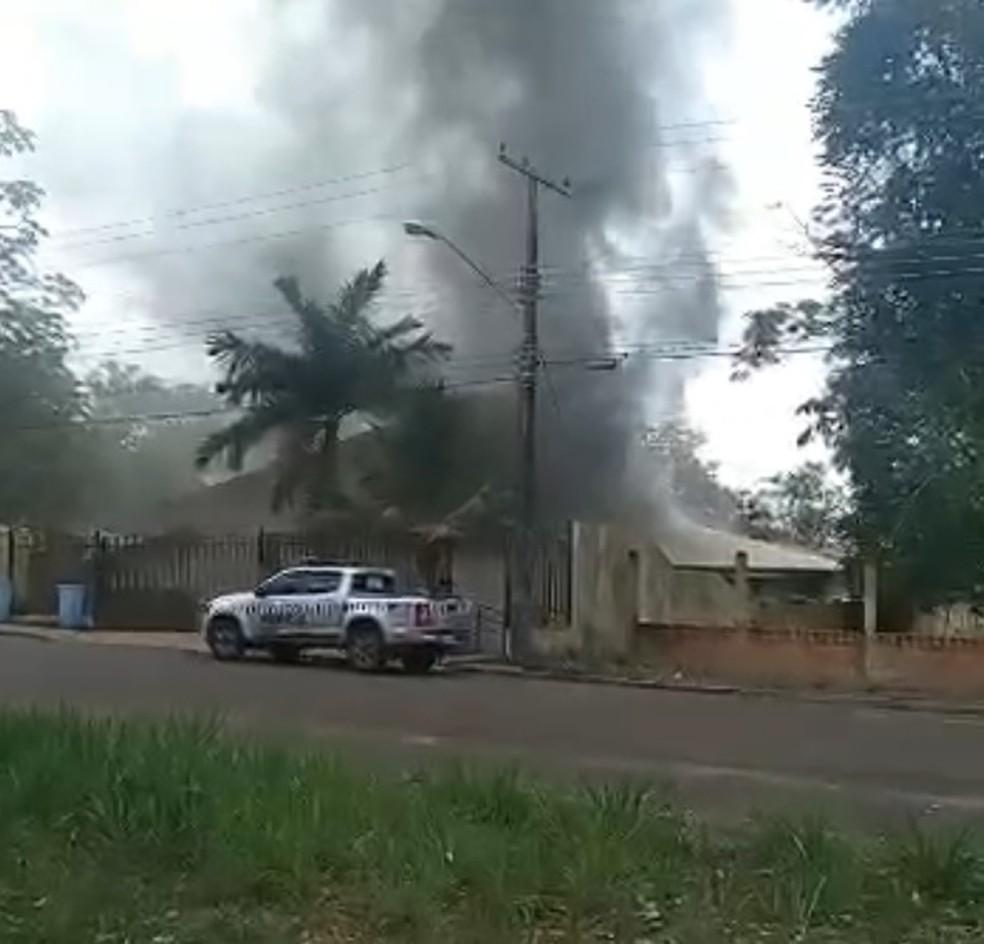Unidade do IML pega fogo em Tucuruí, no Pará. — Foto: Reprodução