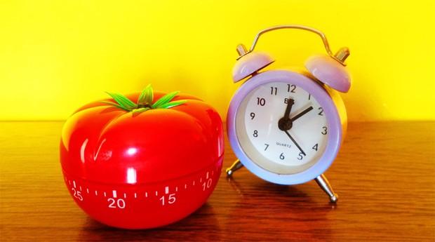 A técnica tem esse nome porque seu criador usava um cronômetro de cozinha em forma de tomate – pomodoro, em italiano – para marcar o tempo (Foto: Divulgação)