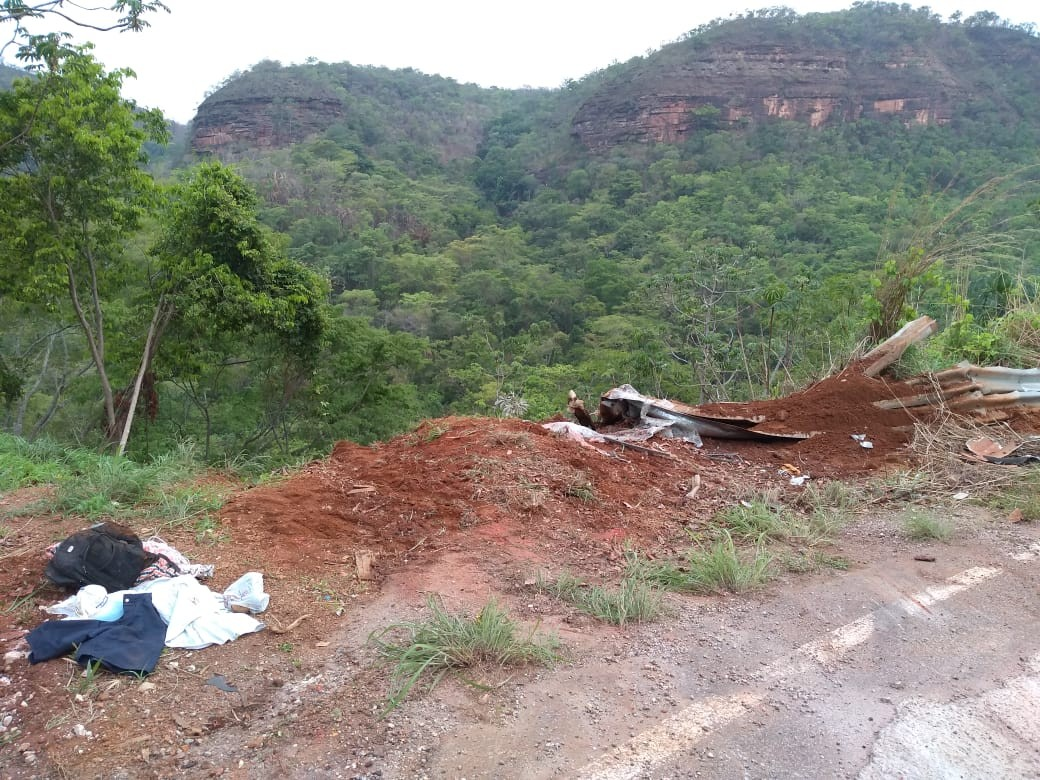 Sobe para dois o número de mortos em acidente no mirante de Taquaruçu; corpos ficaram presos às ferragens - Notícias - Plantão Diário