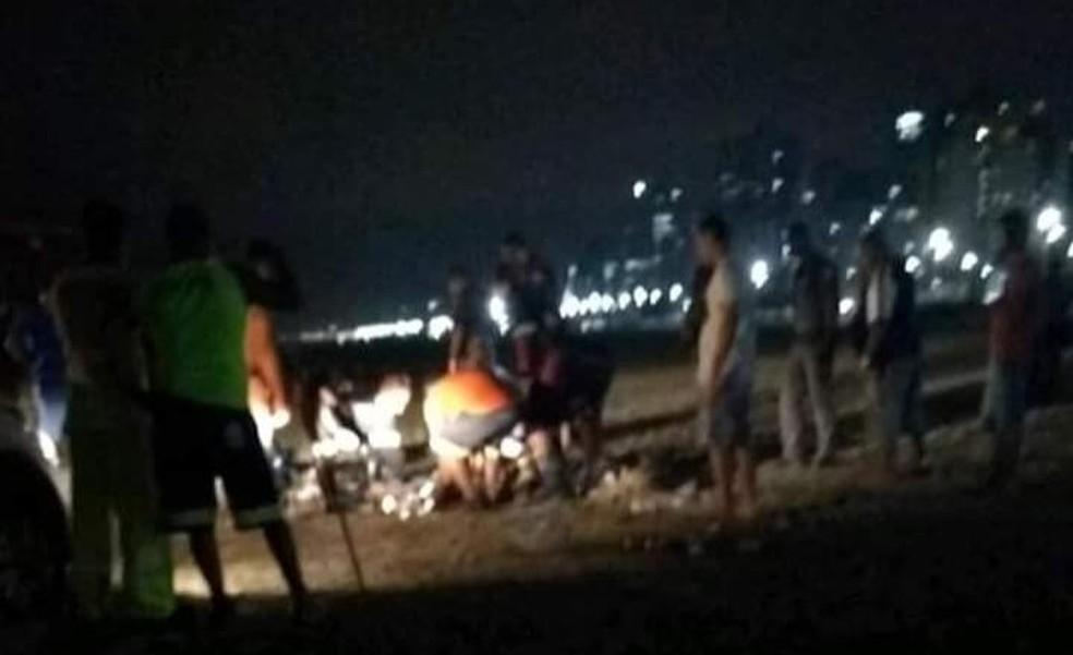 Homem é atropelado por trator enquanto dormia na orla de Praia Grande, SP — Foto: Arquivo Pessoal/Carlos Munir
