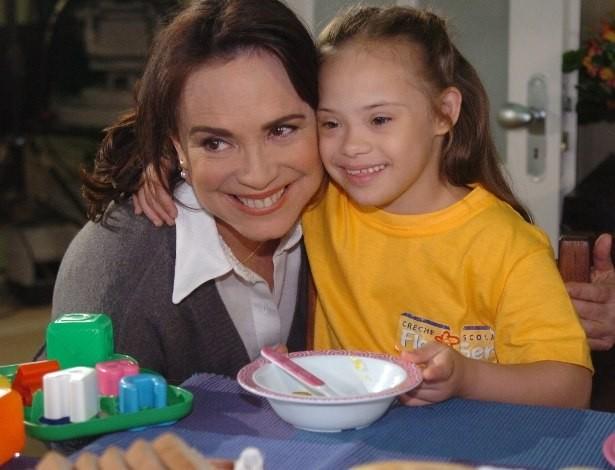 Joana Mocarzel com Regina Duarte na novela Páginas da Vida (Foto: Reprodução/Globo)