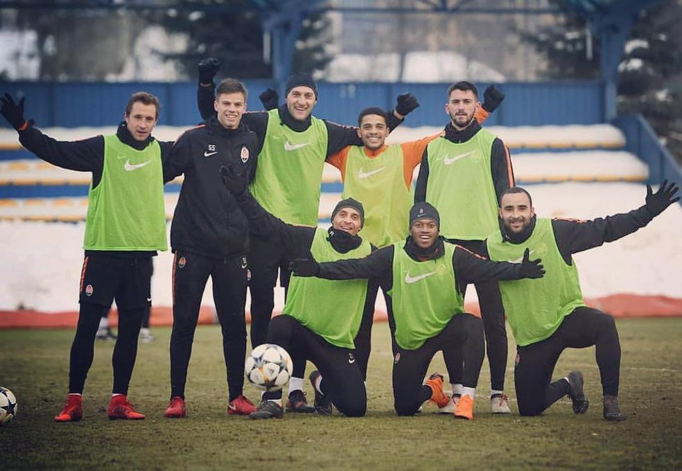 Lateral hoje tem outros seis companheiros brasileiros no Shakhtar: Dodô, Fred, Taison, Alan Patrick, Dentinho e Bernard (Foto: Reprodução/Instagram)