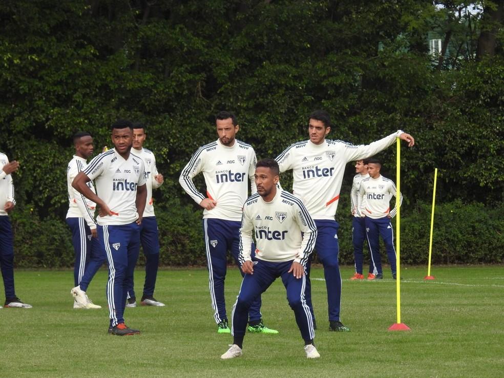 Biro Biro (centro) saiu do São Paulo, Nenê está fora dos planos e Lucas Kal pode ser negociado — Foto: Marcelo Hazan