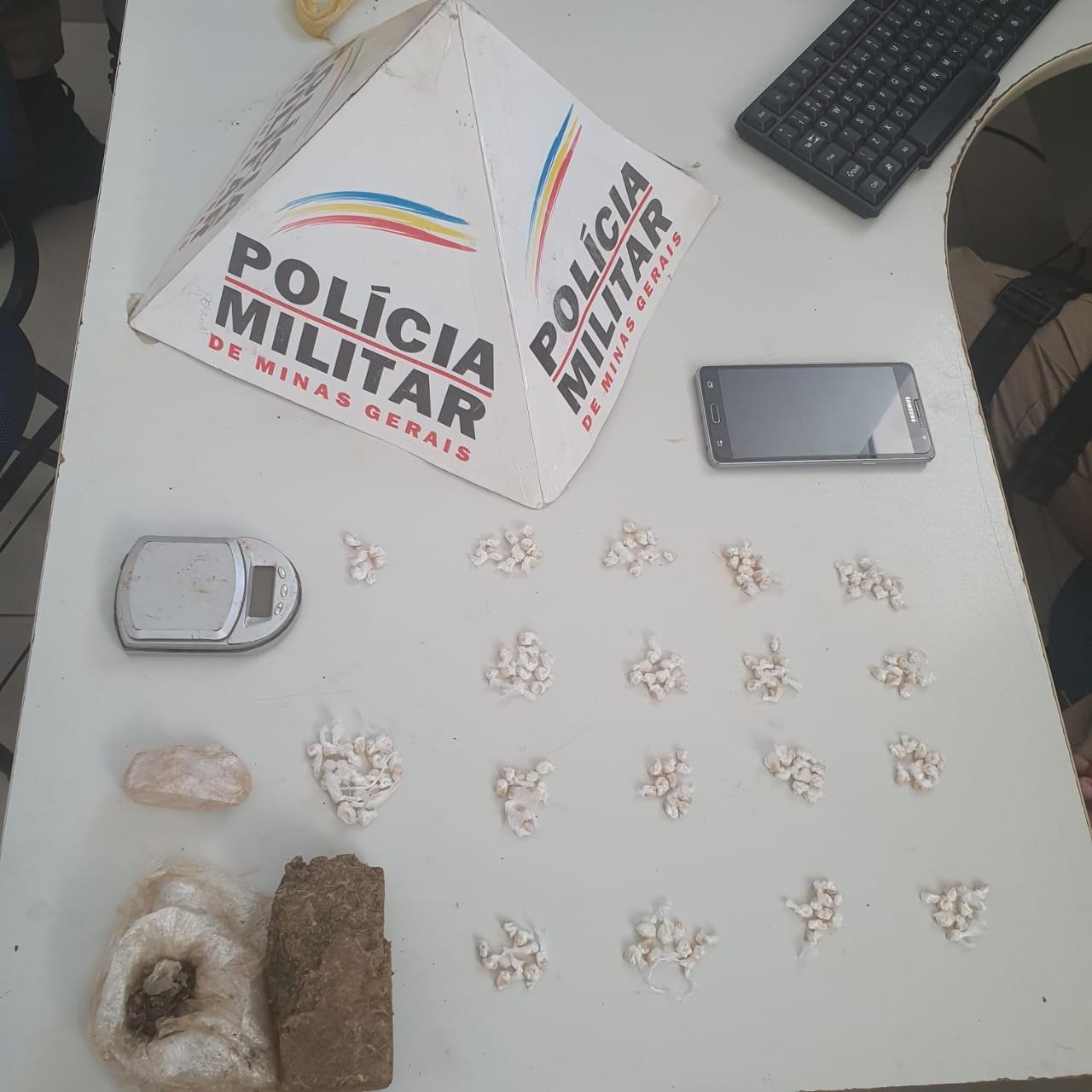 Alvo de denúncias, homem é preso com 187 pedras de crack em Bocaiuva