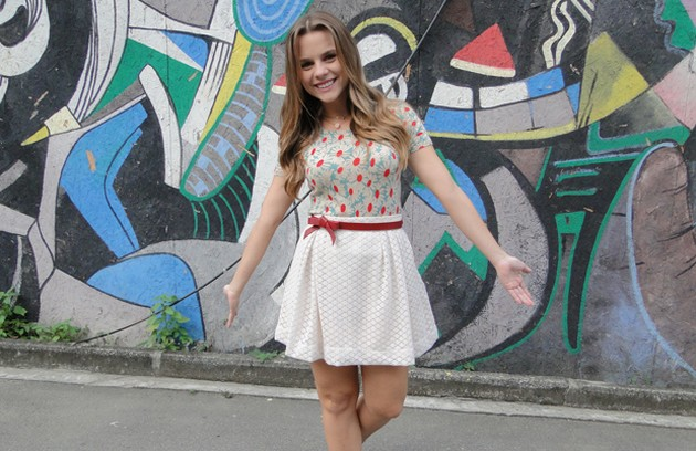 Daniela Carvalho foi Catarina na temporada de 'Malhação' de 2010 e fez par com Bruno Gissoni (Foto: TV Globo)