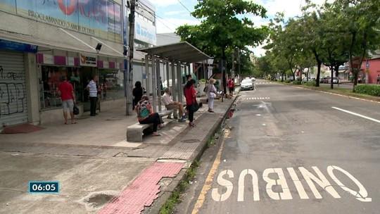 Moradores de Vitória reclamam de falta de ônibus municipais