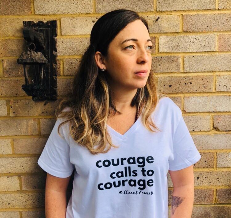 Brasileira que mora no Reino Unido diz que vacina contra a Covid-19 traz esperança: 'Rever a família'
