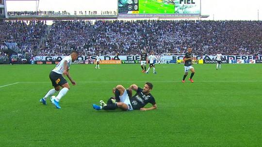 Análise: com mais posse e nenhuma efetividade, Botafogo repete erros contra o Corinthians