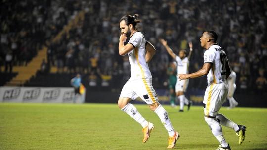 Léo Gamalho faz uma pintura e garante vitória em casa; confira o gol da partida