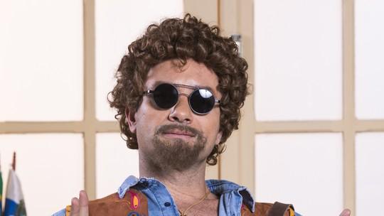 Marco Luque estreia novo personagem na 'Escolinha do Professor Raimundo'