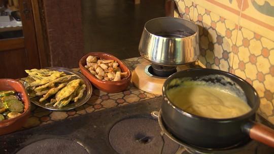 Aprenda a preparar um delicioso fondue de angu