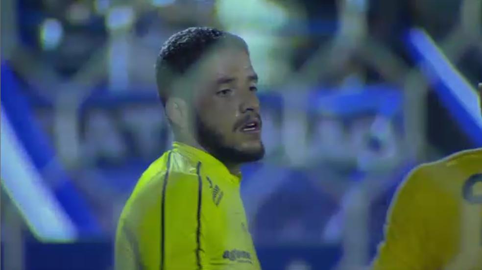 Edson Mardden defende o CRB no Campeonato Alagoano de 2018 (Foto: Reprodução/SporTV)