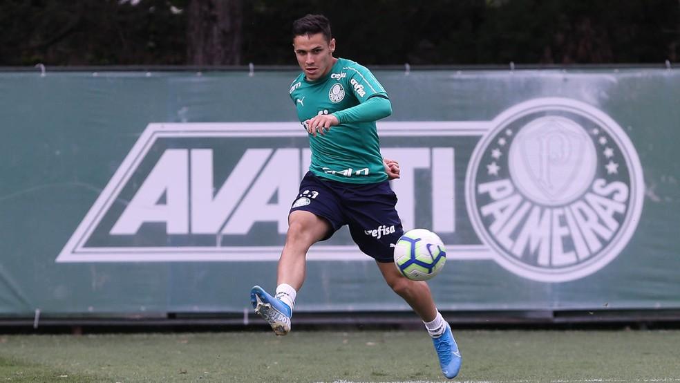 Raphael Veiga surge como um nome para o setor de criação do Grêmio — Foto: Cesar Greco/Palmeiras