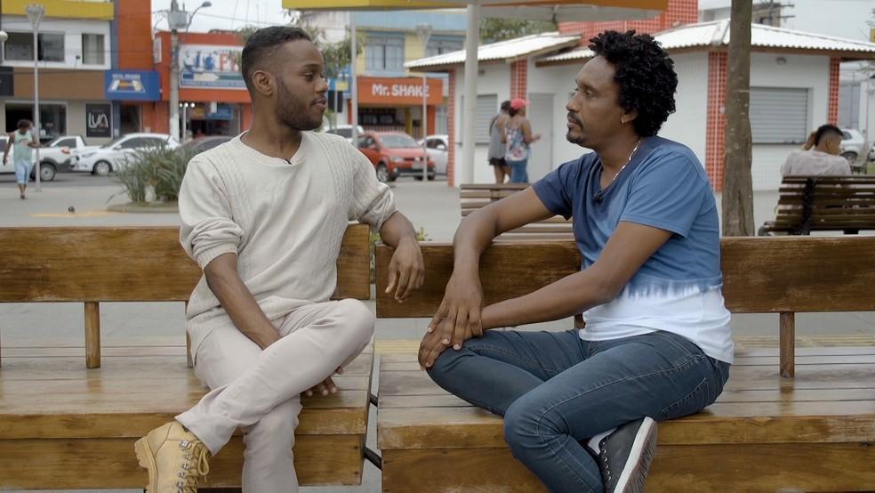 Alan Costa, idealizador do Afrobapho, é entrevistado por Ângelo Flávio — Foto: TV Bahia