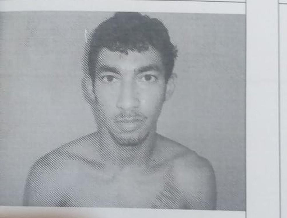 Preso é procurado pela polícia — Foto: Divulgação