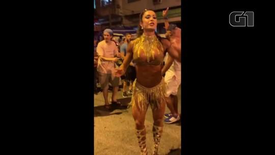 Gracyanne Barbosa ensaia com União da Ilha e promove campanha contra assédio