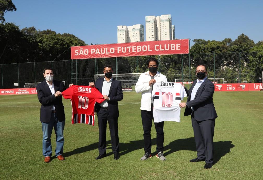 iSURE é a nova patrocinadora do São Paulo — Foto: Rubens Chiri/saopaulofc.net