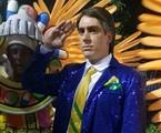 Marcelo Adnet no desfile da São Clemente   O Globo