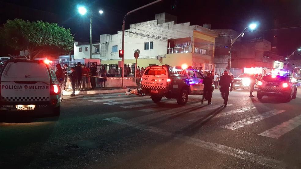 Homem é morto a tiros em uma das principais avenidas de Macaíba, na Grande Natal — Foto: Sérgio Henrique Santos/Inter TV Cabugi