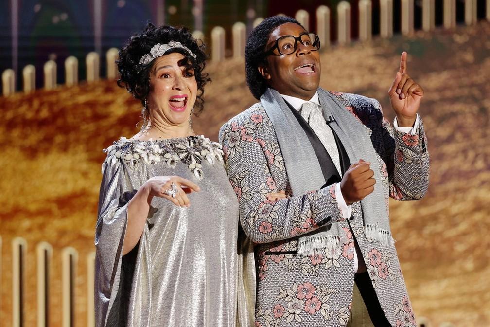 Maya Rudolph e Kenan Thompson no Globo de Ouro 2021 — Foto: Rich Polk/NBC Handout via Reuters