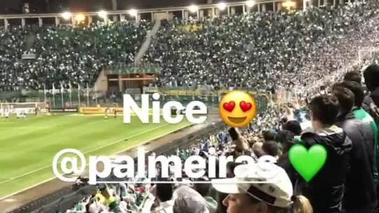 Da arquibancada do Pacaembu, reforço japonês vê classificação do Palmeiras