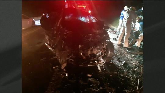 Seis pessoas morrem em acidente em rodovia do Paraná
