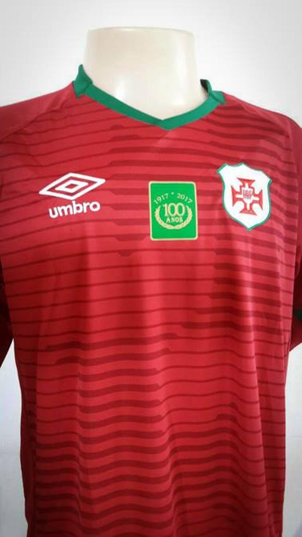 ... Portuguesa Santista oferece camisa aos novos sócios — Foto  Divulgação fac8d0cafcb2f