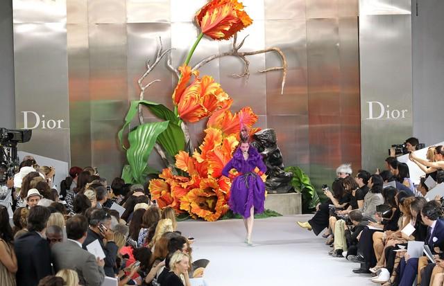 O desfile de inverno 2010 alta-costura da Dior (Foto: Getty Images)