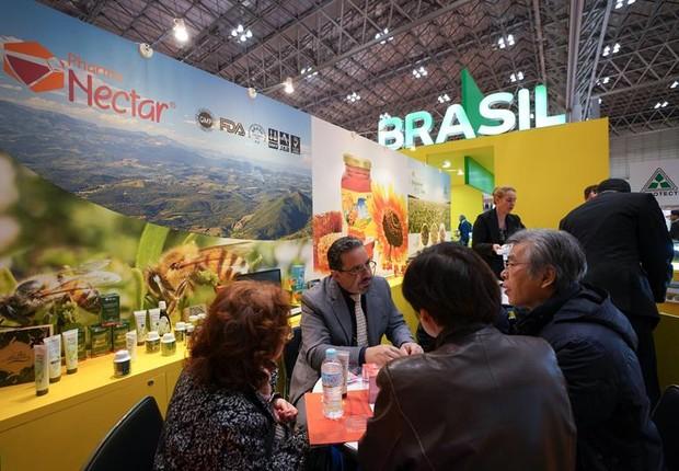 Estande brasileiro na Foodex 2018, no Japão. São esperados cerca de 85 mil visitantes na feira (Foto: CHRISTOPHER JUE/EFE)