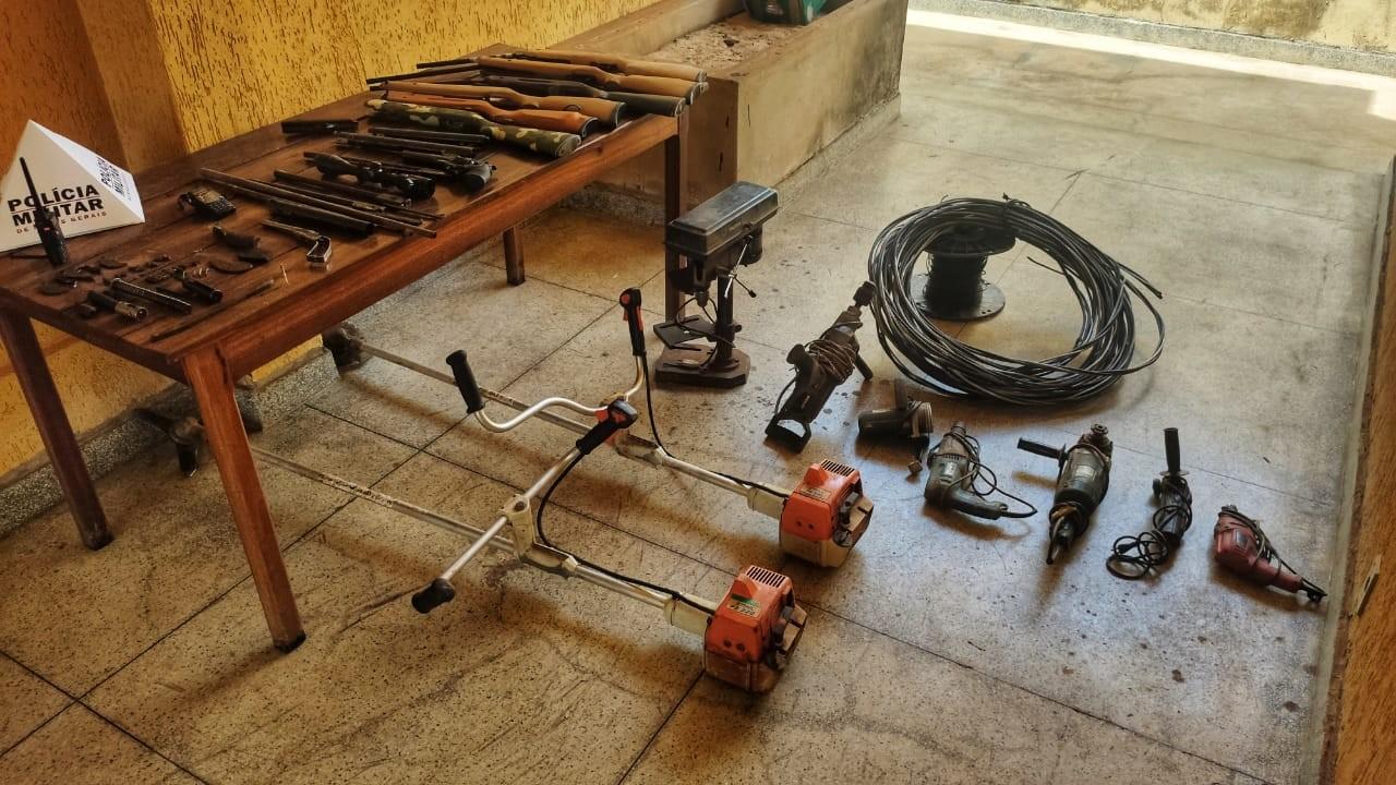 Homem é preso suspeito de fazer manutenção e fabricação ilegal de armas em Unaí