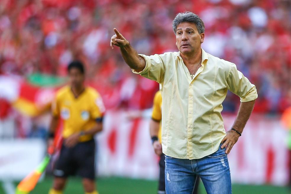 Renato Gaúcho não vê problema em derrota no Gre-Nal (Foto: Lucas Uebel/Grêmio)