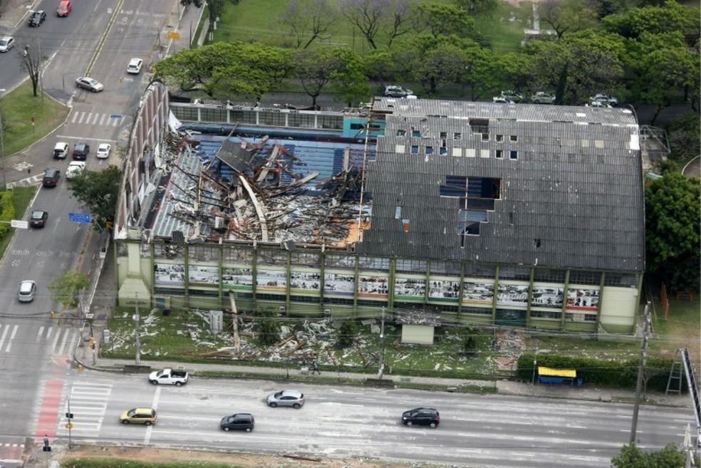 Ginásio da Brigada Militar foi destruído após temporal em outubro do último ano.  â?? Foto: Nabor Goulart/Casa Civil
