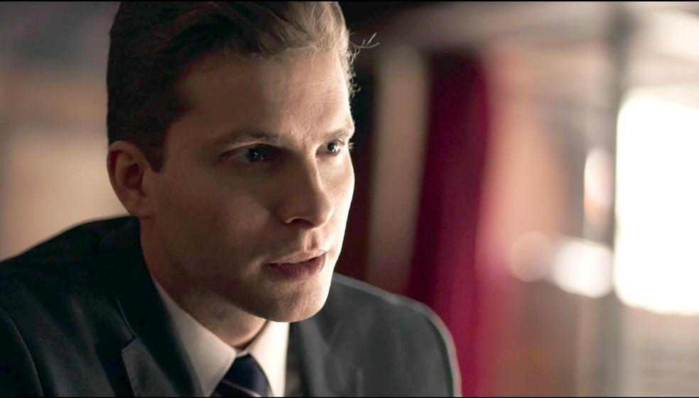 Patrick encontra importante testemunha para o caso de Laura (Foto: TV Globo)