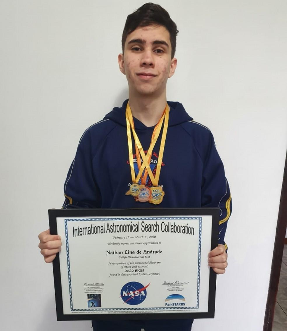 Nathan descobriu o asteroide através do projeto de Colaboração Internacional de Busca Astronômica (IASC) — Foto: Divulgação/Colégio Vicentino São José