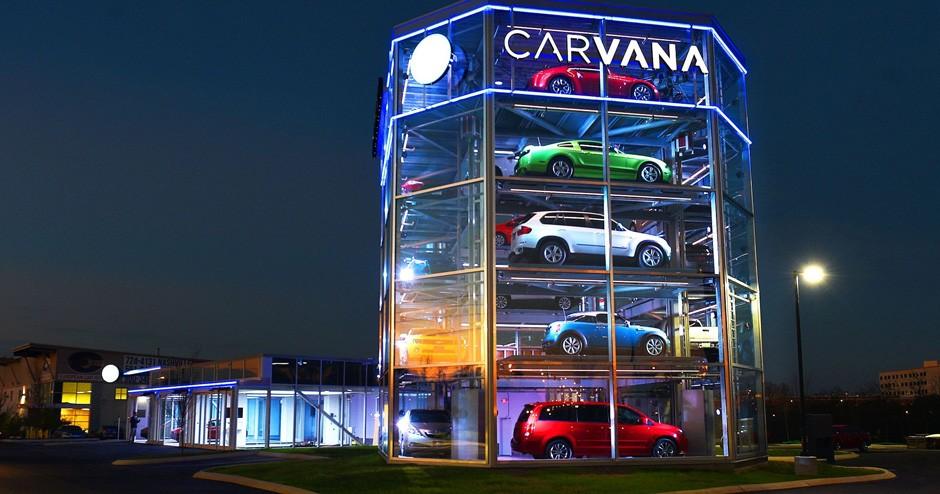 Nos Estados Unidos, a rede Carvana tem arquitetura que imita uma vending machine (Foto: Divulgação)