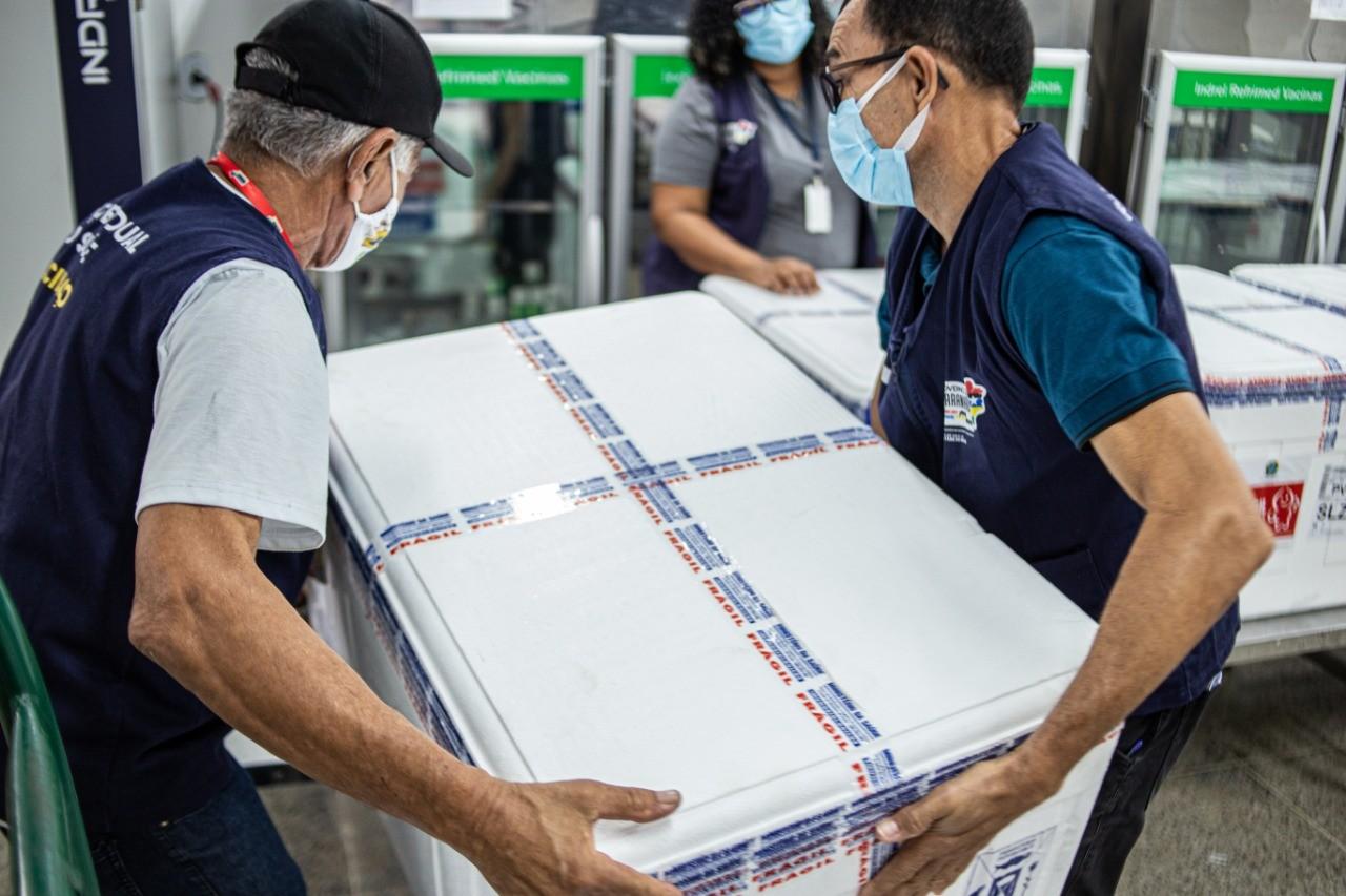 Maranhão recebe nova remessa de vacinas com mais de 146 mil doses de CoronaVac e AstraZeneca