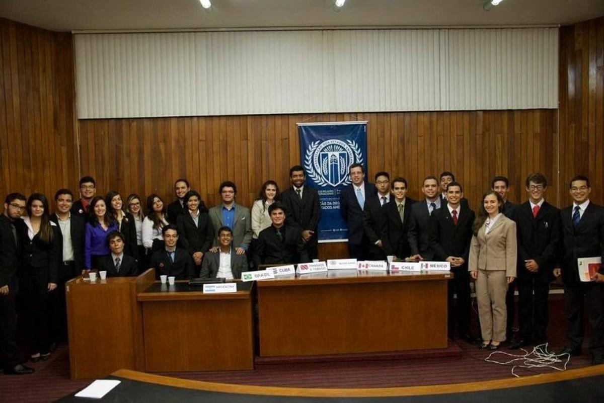 Estudantes de Caruaru participam de competição de simulações internacionais da ONU