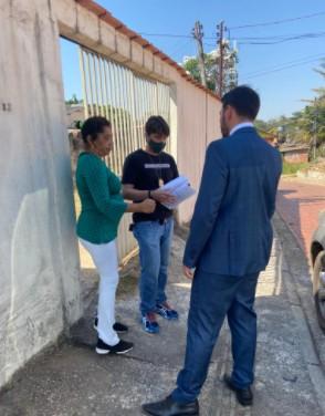 Polícia cumpre mandado de busca na casa de diretora da Codisacre após denúncia de 'rachadinha' e assédio moral no AC
