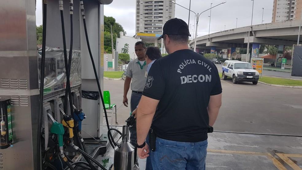 Abastecimento feito em bomba de combustível era menor do que o solicitado pelo cliente, diz polícia (Foto: Polícia Civil de MT)