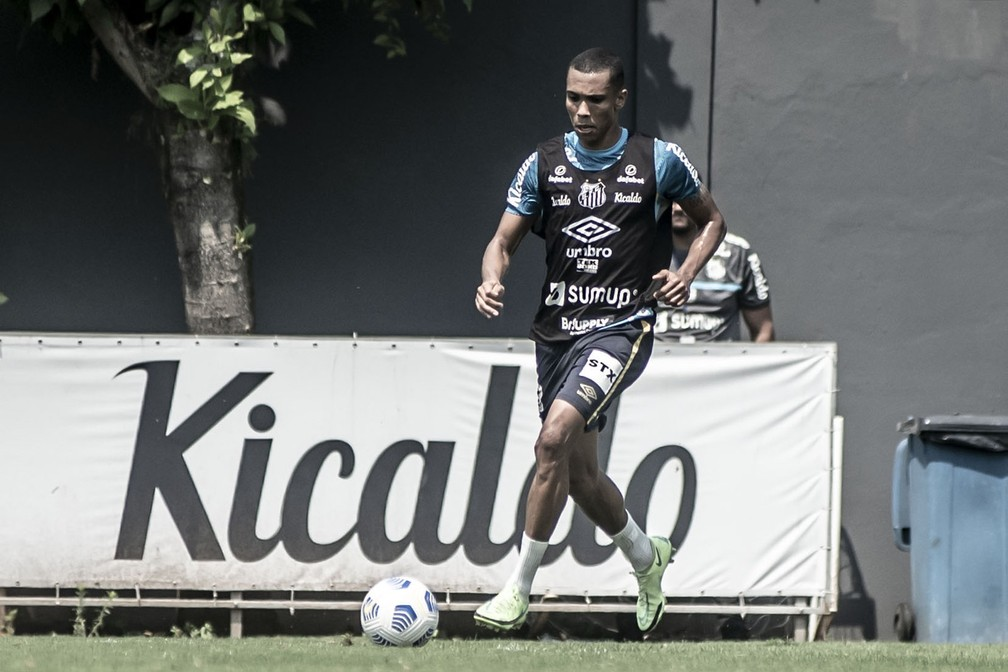 Madson em treino do Santos — Foto: Ivan Storti / Santos FC