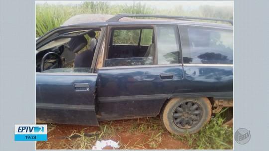 Passageiro de carro morre e motorista fica em estado grave após carro capotar na LMG-856