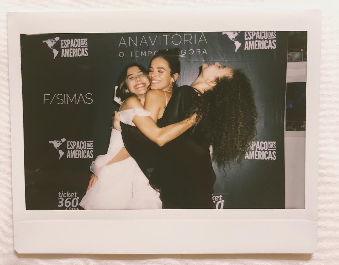 Bruna Marquezine e Anavitória (Foto: Reprodução Instagram)