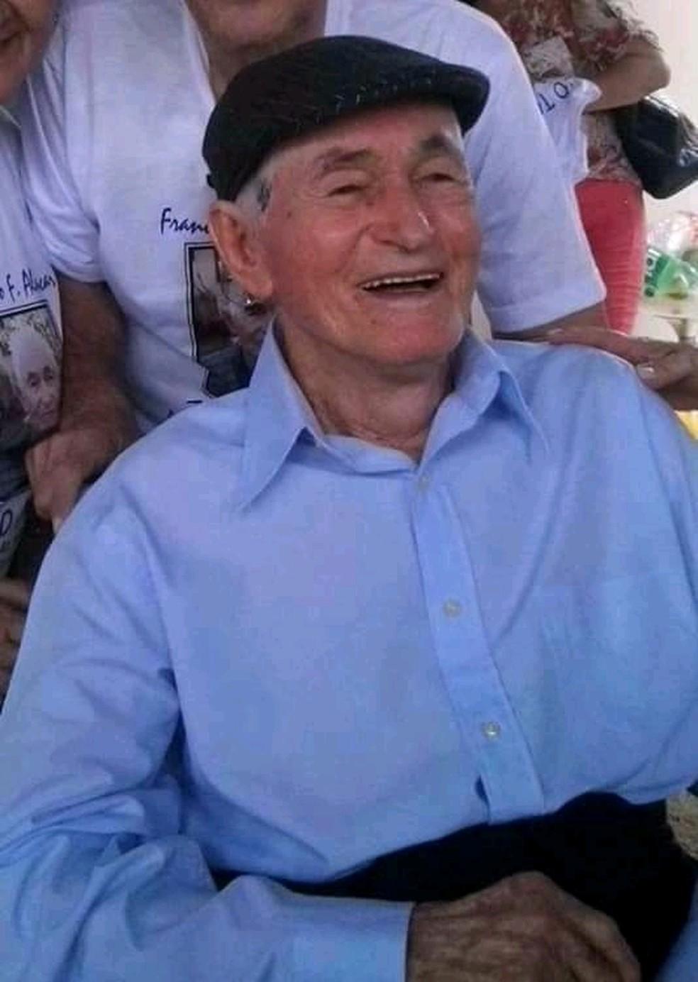 Morre, aos 103 anos, Francisco Fernandes de Alencar, idoso que pediu para ser internado ao lado da esposa em hospital do DF — Foto: Arquivo pessoal