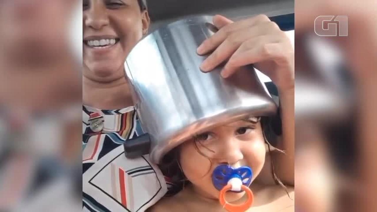 Menina de 5 anos fica com a cabeça presa em panela de pressão no Piauí