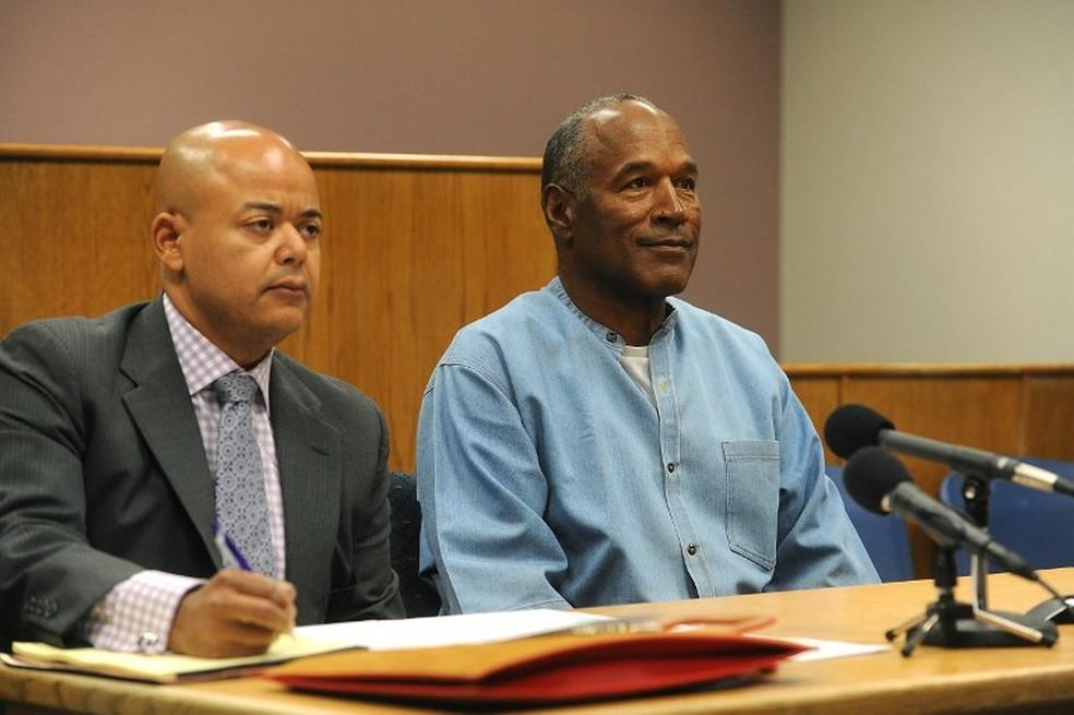 O.J. Simpson durante a audiência em frente comissão do Centro de Detençao de Lovelock (Foto: France Presse)