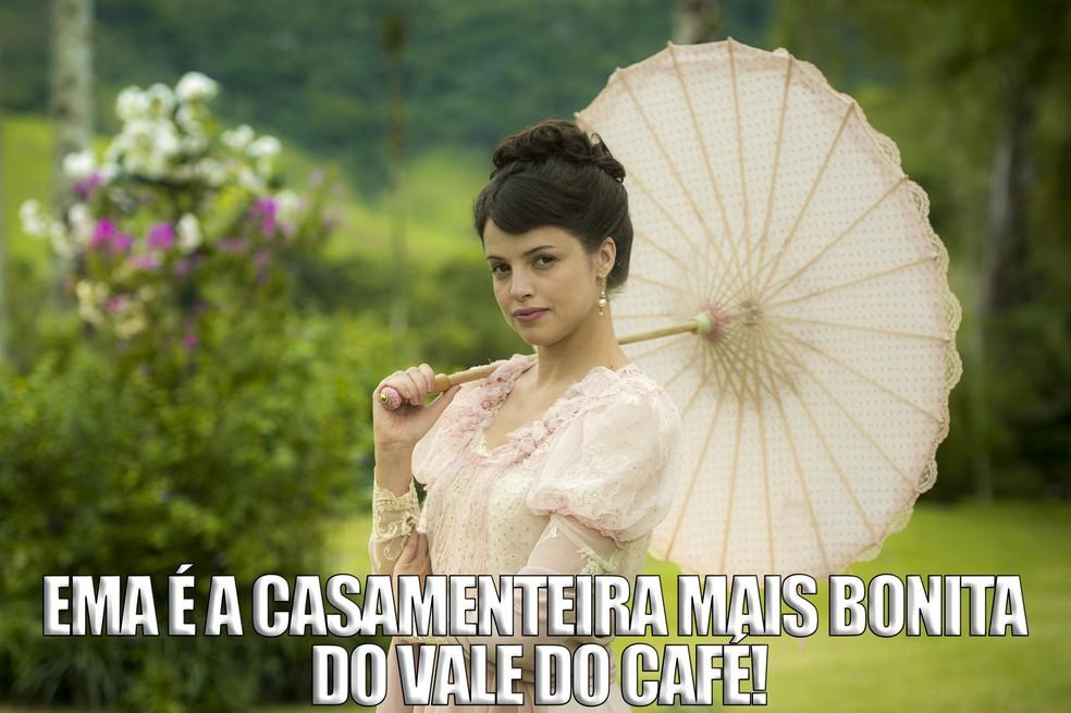 Ela consegue encontrar o par perfeito para todo mundo, menos para ela... (Foto: Raquel Cunha/TV Globo)