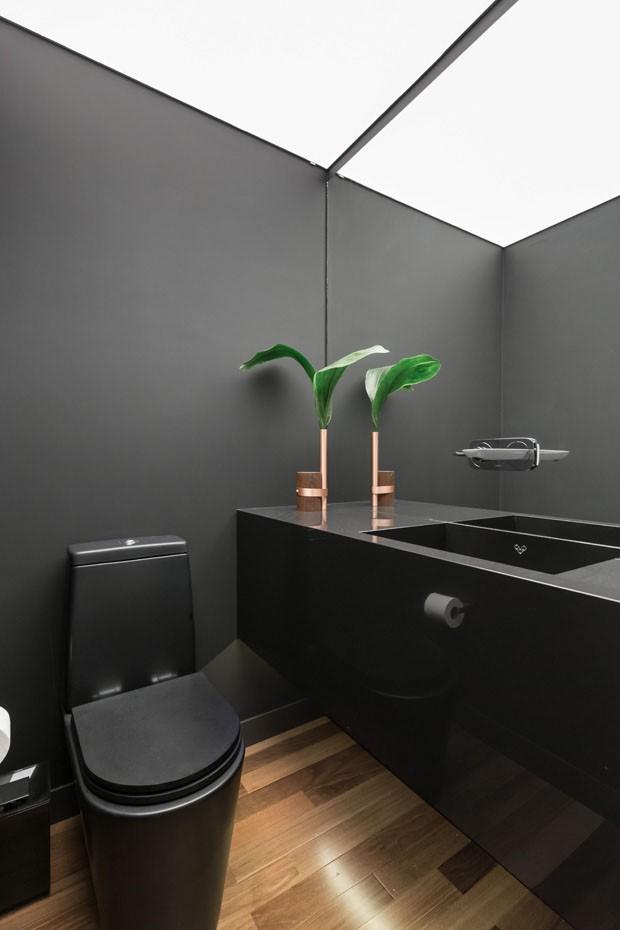 Espaços compactos se transformam em ambientes amplos em apê de 70 m² (Foto: ©Marcelo Donadussi)