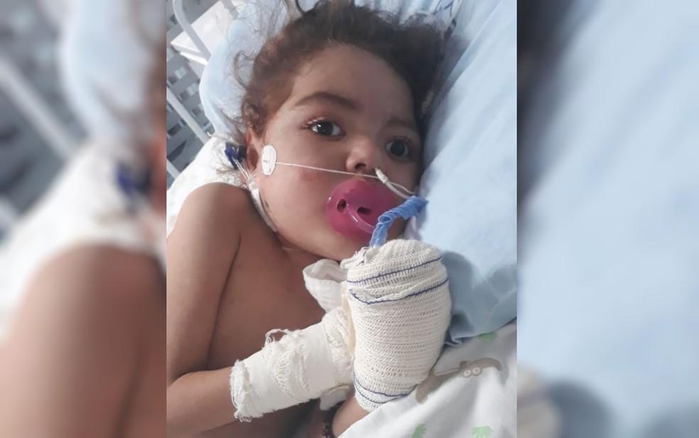 Nikolly Marques está há quase um mês internada em UTI do Hospital Materno Infantil, em Goiânia — Foto: Amanda Sara Moura Marques/Arquivo Pessoal