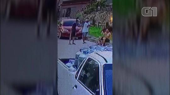 Imagens flagram execução de PM reformado na Baixada Fluminense